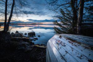 Vesijärvi syksy vene - Jari Sokka - AK-Taulucenter