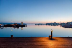 Lahden satama auringonlasku 2 - Jari Sokka - AK-Taulucenter
